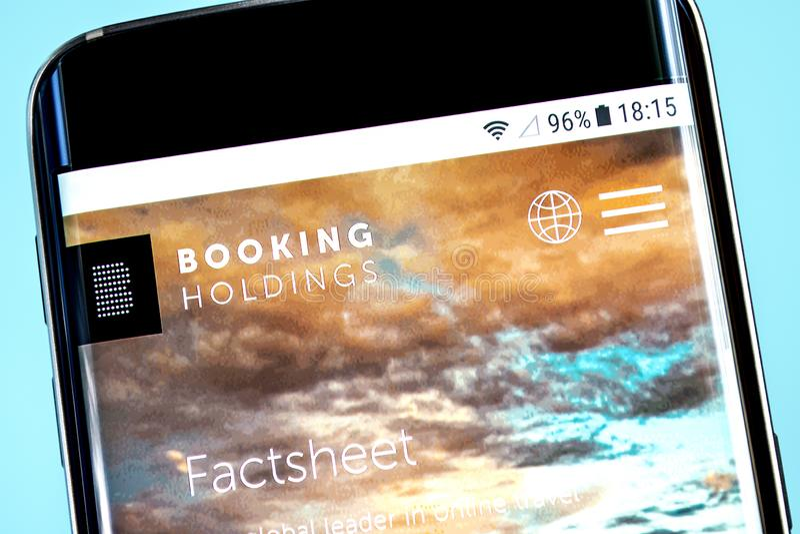 Berdyansk, Ukraine - 8 juin 2019 : Éditorial illustratif de page d'accueil de site Web de Booking Holdings Inc Logo de réservatio photographie stock