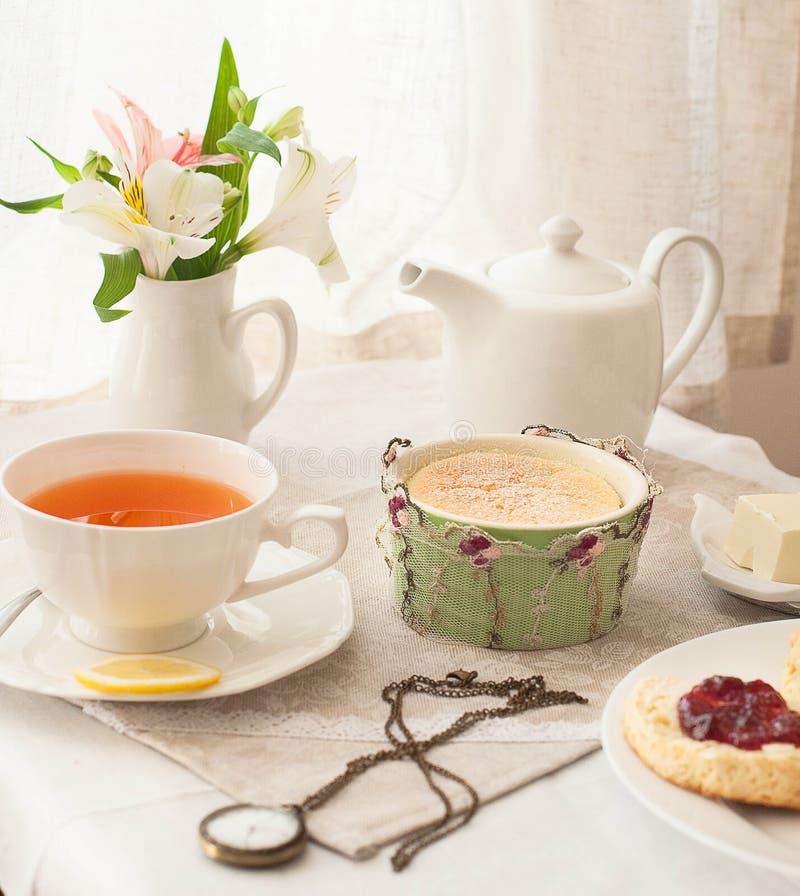 Bere inglese del tè fotografia stock