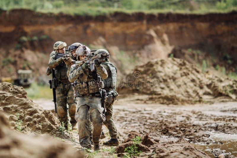 Bereden politie tijdens de militaire operatie royalty-vrije stock foto