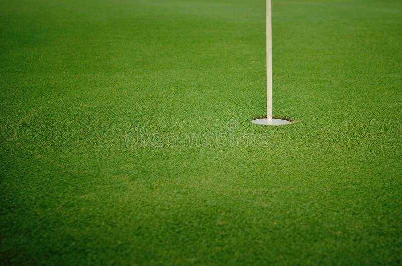 Bereich auf Recht, Text für Golfausflüge oder -reklameanzeigen hinzuzufügen stockfotografie