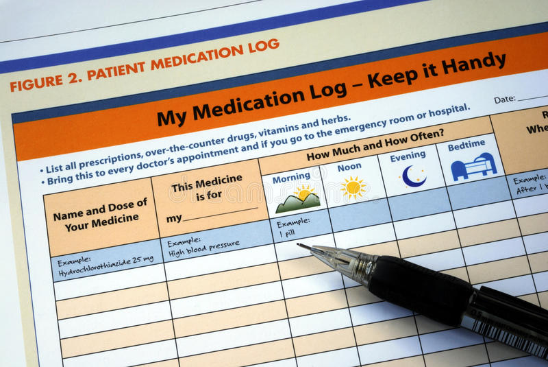 Bereid en handhaaf het geduldige medicijnlogboek voor stock foto's