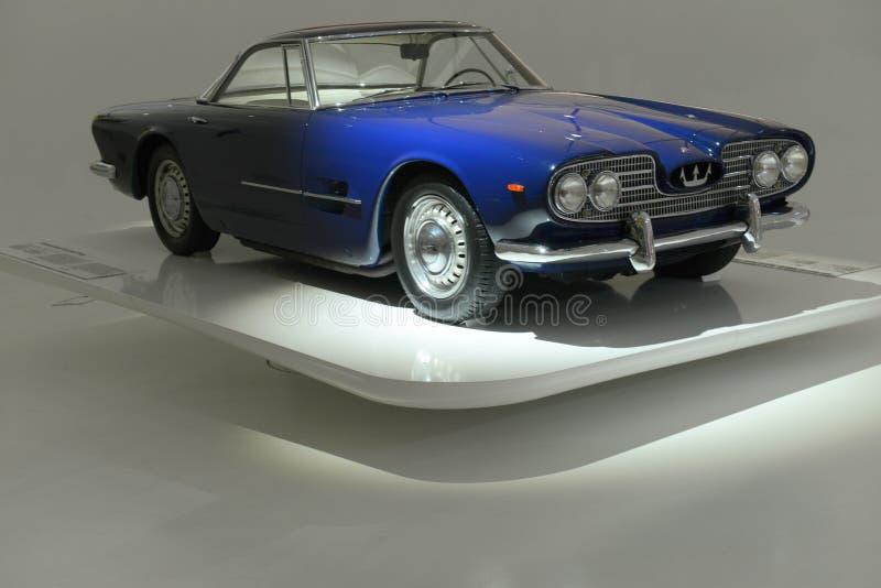 Bereisendes Maserati 5000GT - hundertjährige Show Maseratis lizenzfreie stockfotos