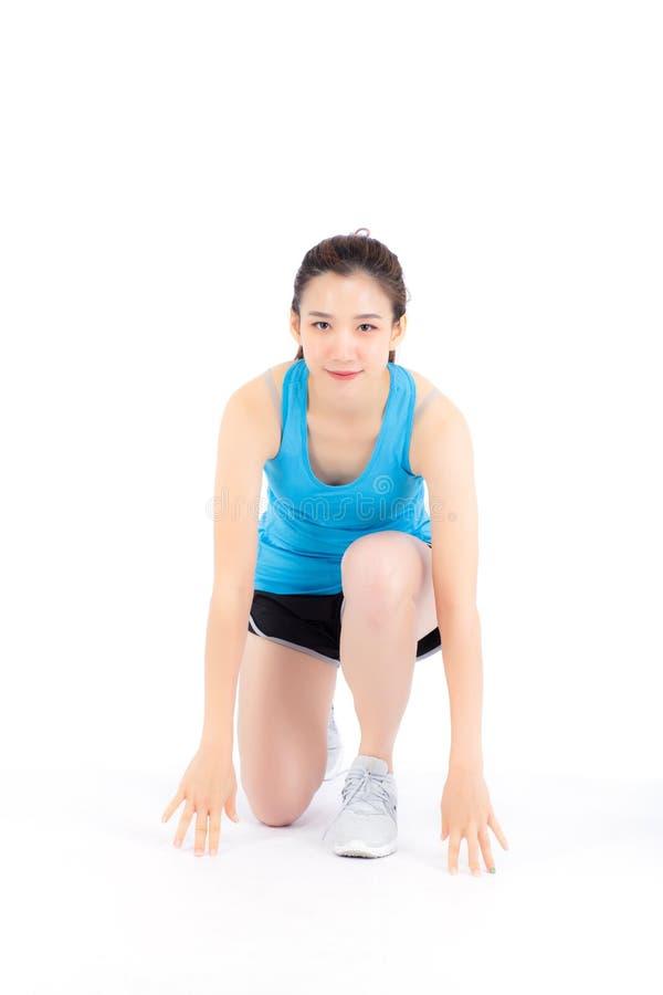 Bereiter Betrieb des schönen Frauenabnutzungs-Sports des Porträtathleten jungen asiatischen lokalisiert auf dem weißem Hintergrun stockbilder