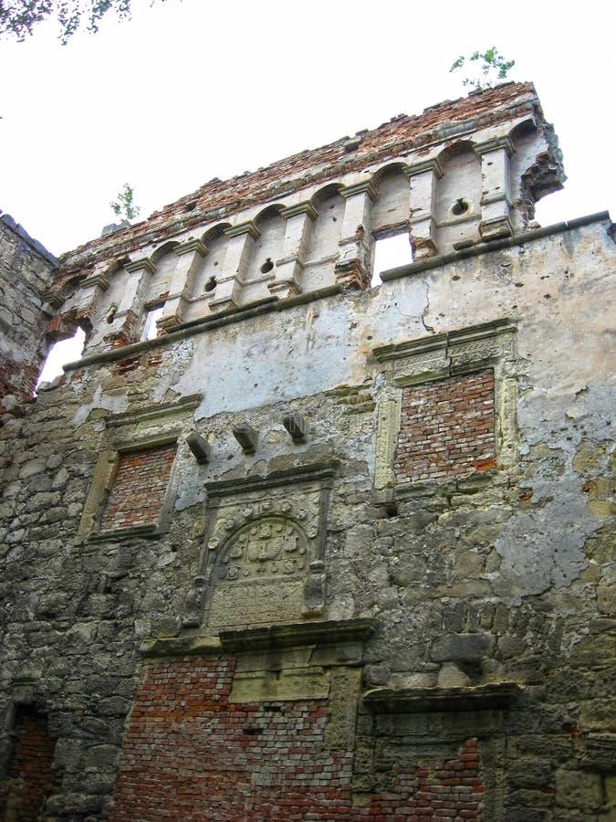 Berezhany, Украина - 10-ое мая 2008: Остатки замка XVI века стоковое фото rf