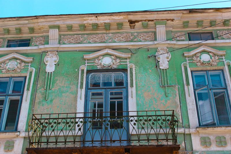 Berezhany, Ucrania - 24 de agosto de 2013: Viejas casas en las calles de una pequeña ciudad ucraniana fundada en 1375, ahora la p foto de archivo