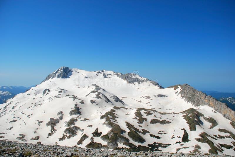 Download Berg stockbild. Bild von ansicht, wolke, felsspitze, felsen - 12203455
