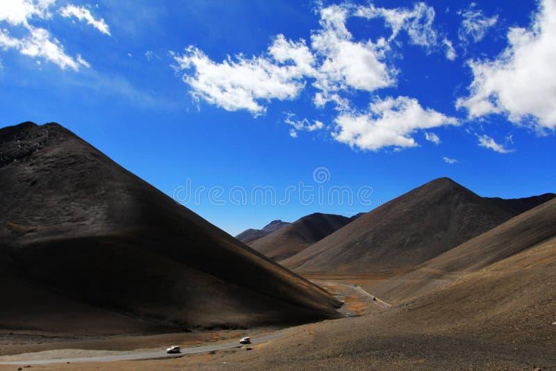 Download Berg arkivfoto. Bild av yellow, spolning, bekvämt, wind - 27286672
