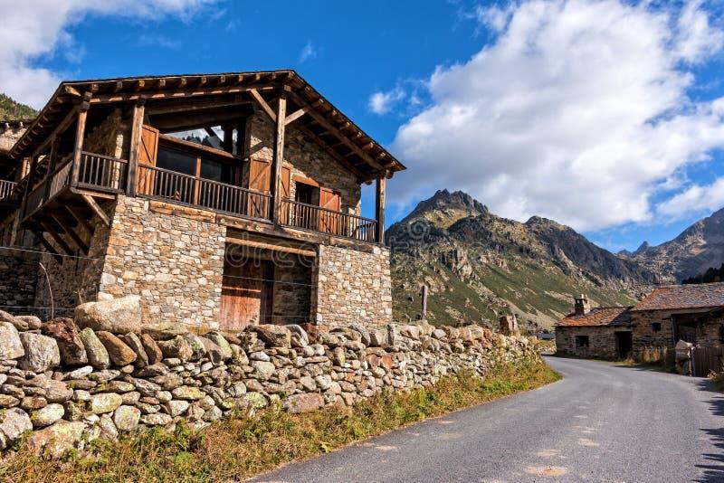 Download Berg stockfoto. Bild von frühling, himmel, stein, idyllisch - 47101162