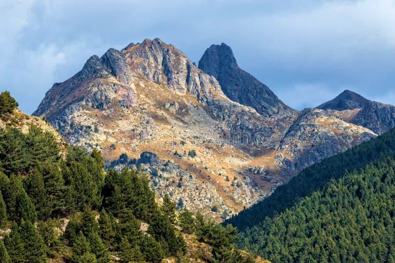 Download Berg stockbild. Bild von frech, outdoor, tageslicht, schön - 47101241