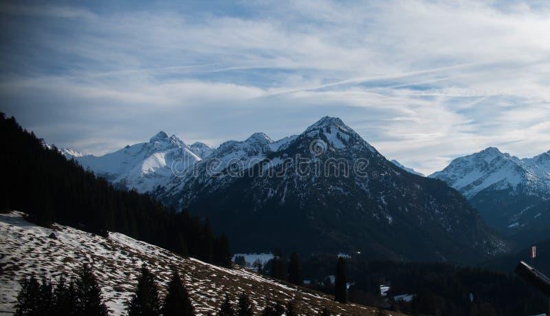 Berg in Alp in Duitsland dichtbij Oberstdorf royalty-vrije stock fotografie