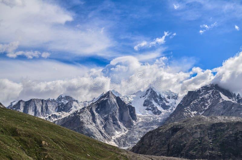 Berg av Spiti royaltyfri fotografi