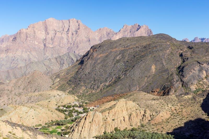 Berg av Wadi Bani Awf - Oman royaltyfri foto