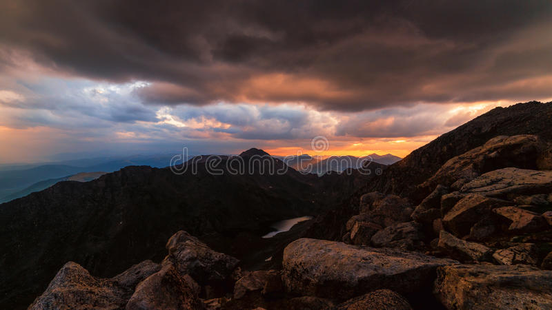 Berg Bierstadt bei Sonnenuntergang lizenzfreie stockfotografie