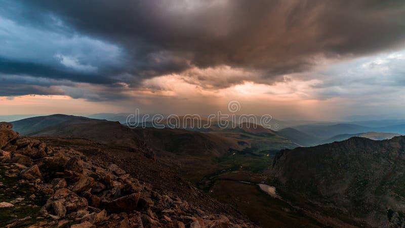 Berg Bierstadt bei Sonnenuntergang stockfotos