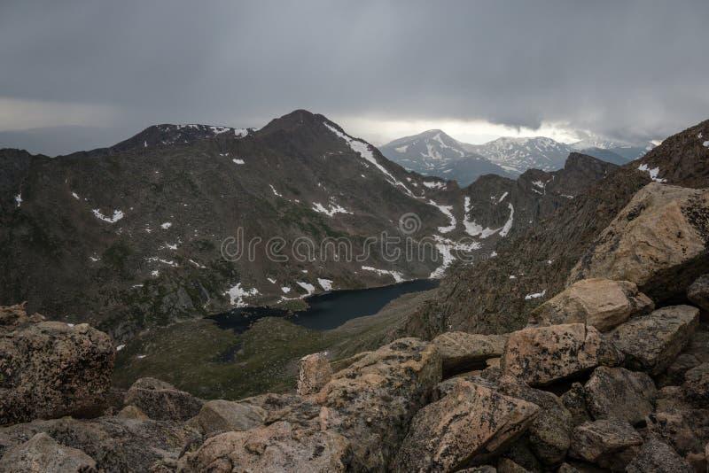 Berg Bierstadt in den Wolken stockfotos