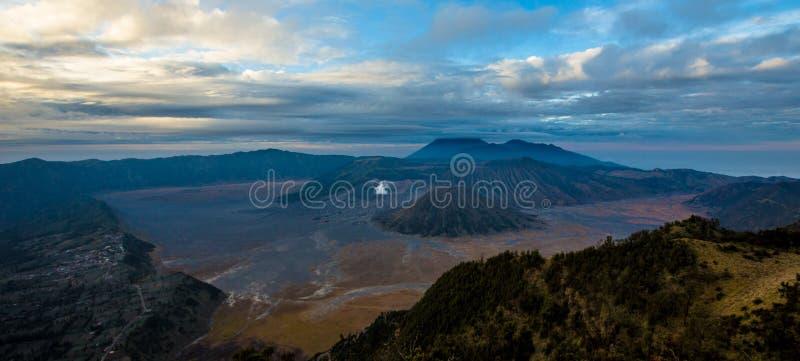 Berg Bromo-Panorama stockbilder