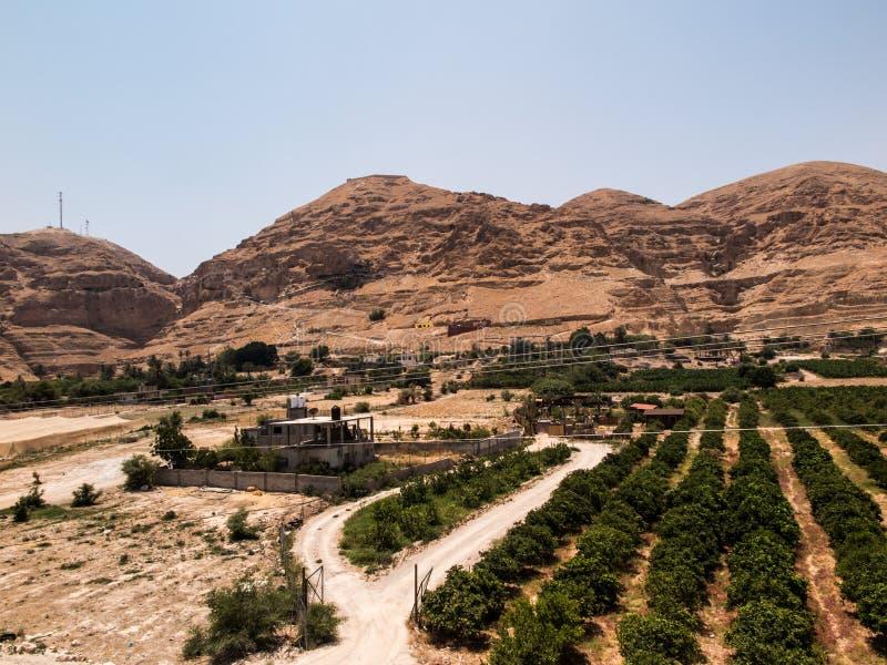Berg der Versuchung in Jericho lizenzfreie stockfotos