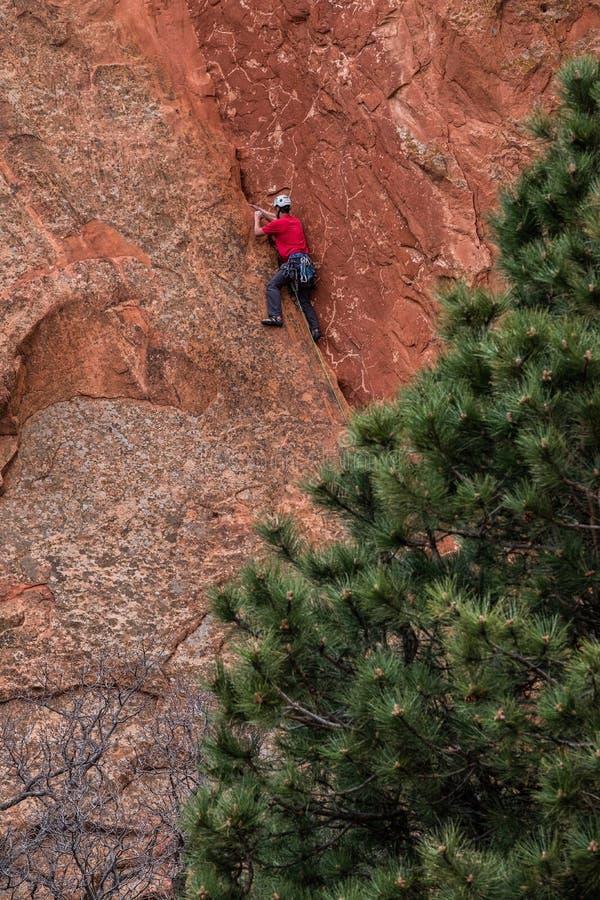 Berg die rotsslifee beklimmen bij tuin van de rotsachtige bergen van godencolorado springs royalty-vrije stock foto's