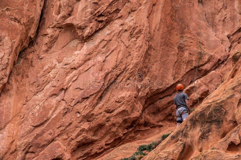 Berg die rotsslifee beklimmen bij tuin van de rotsachtige bergen van godencolorado springs royalty-vrije stock afbeelding