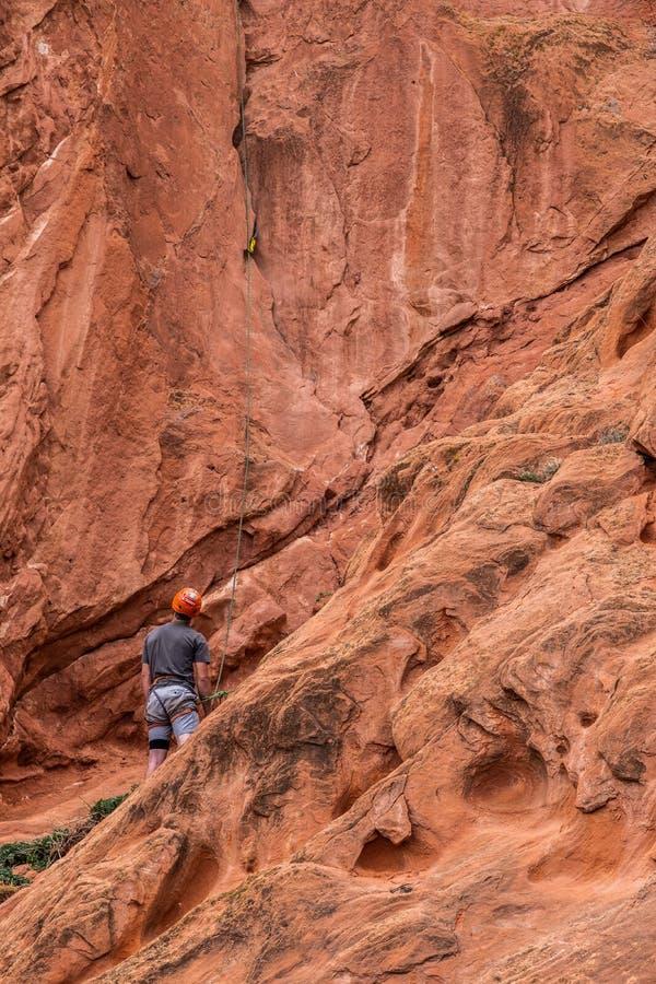 Berg die rotsslifee beklimmen bij tuin van de rotsachtige bergen van godencolorado springs royalty-vrije stock fotografie