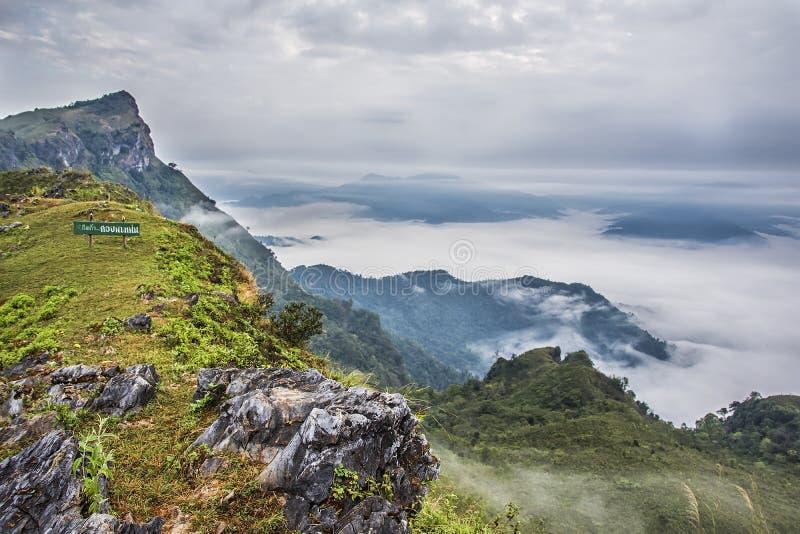 Berg Doi Pha Montag, Chiang Rai, Thailand stockbilder