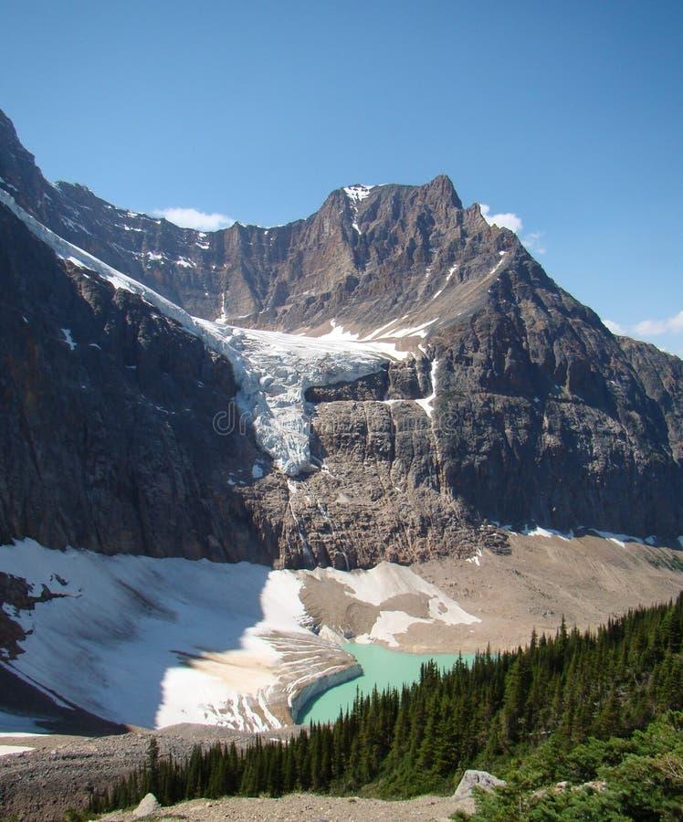 Berg Edith Cavell mit Angel Glacier stockbild