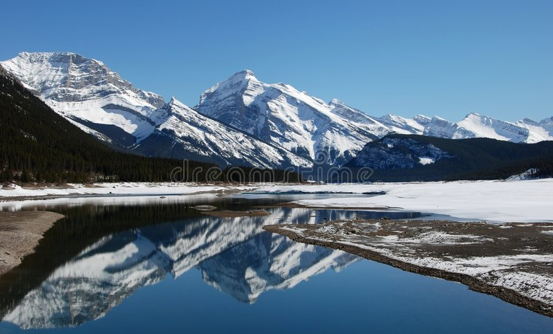 Berg en meren in Rockies stock foto's