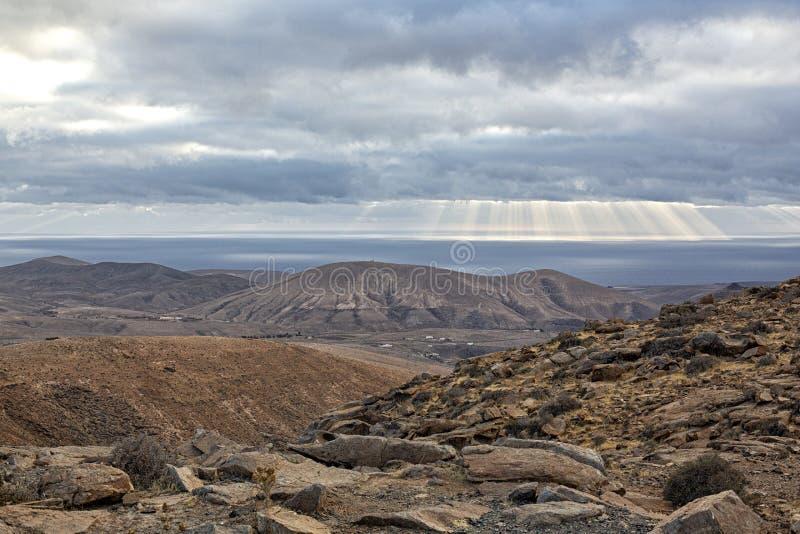 Berg en overzees landschap van Fuerteventura royalty-vrije stock afbeeldingen