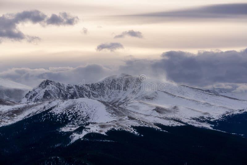 Berg Evans im Winter stockfoto