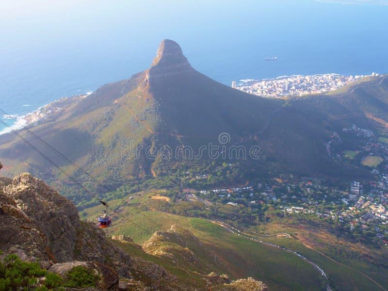 Berg för huvud för lejon` s och flyg- sikt av Cape Town royaltyfri bild