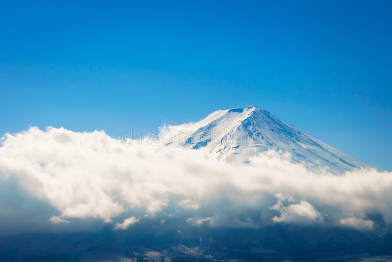 Berg Fuji med blå himmel, Japan fotografering för bildbyråer