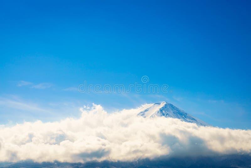 Berg Fuji med blå himmel, Japan royaltyfri foto