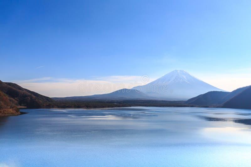 Berg Fuji mit Motosu See stockbild