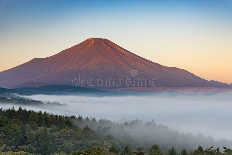 Berg Fuji utan snöräkning royaltyfri bild