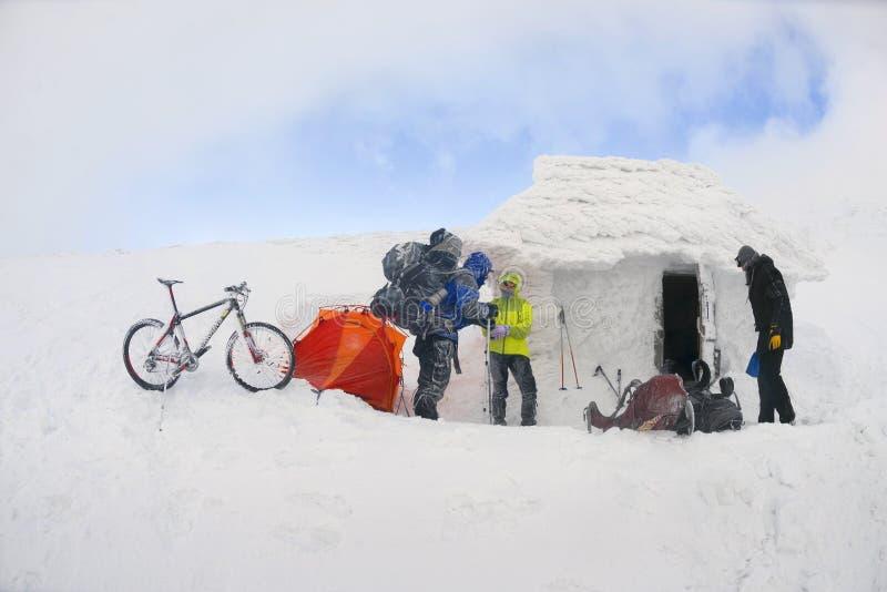 Berg het biking op Goverla in het Nieuwjaar royalty-vrije stock foto's
