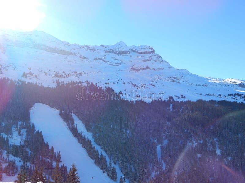 Berg i de franska alpsna arkivbilder