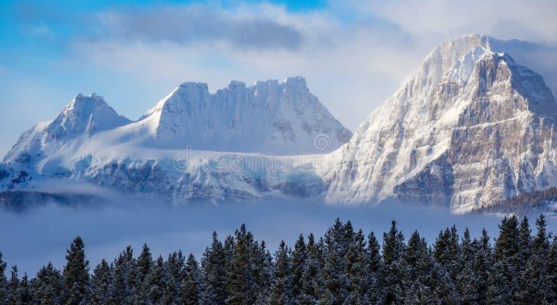 Download Berg I Den Banff Nationalparken, Kanada Fotografering för Bildbyråer - Bild av norr, klättring: 106827589