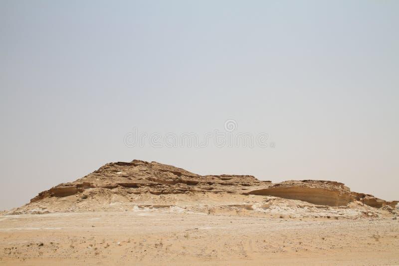 Berg i den Qatari öknen arkivbilder