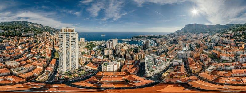 Berg i Monaco Monte - panorama för surr för virtuell verklighet för vr för luft 360 för foto för sommar för carlo stadsriviera su royaltyfria bilder
