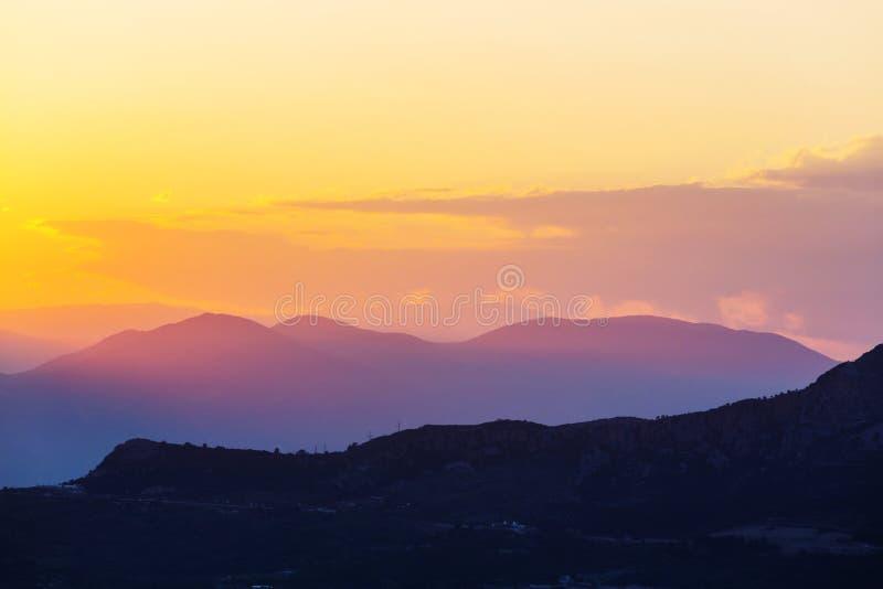 Berg i soluppgång royaltyfri bild