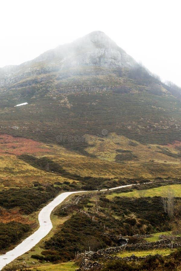 Berg im Herbst stockbild
