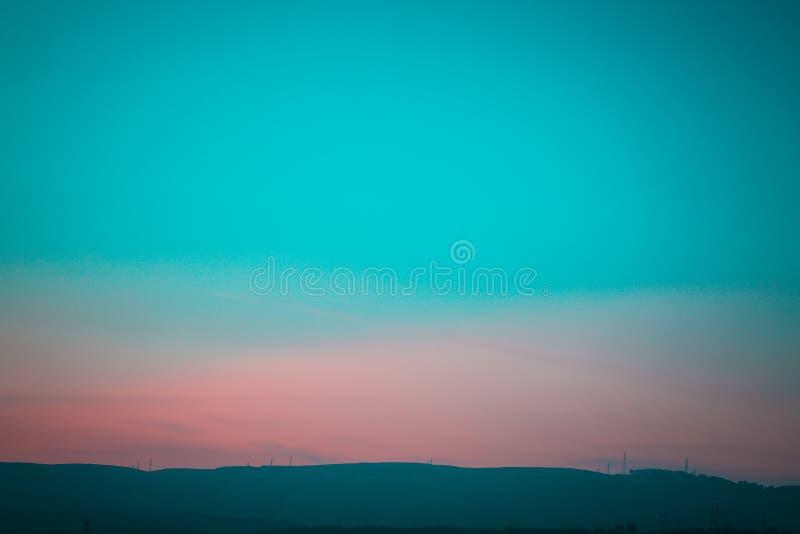 Berg; kulle; något som liknar ett berg; buskar som silkesmaskar rotera i kokonger; jebel royaltyfri fotografi
