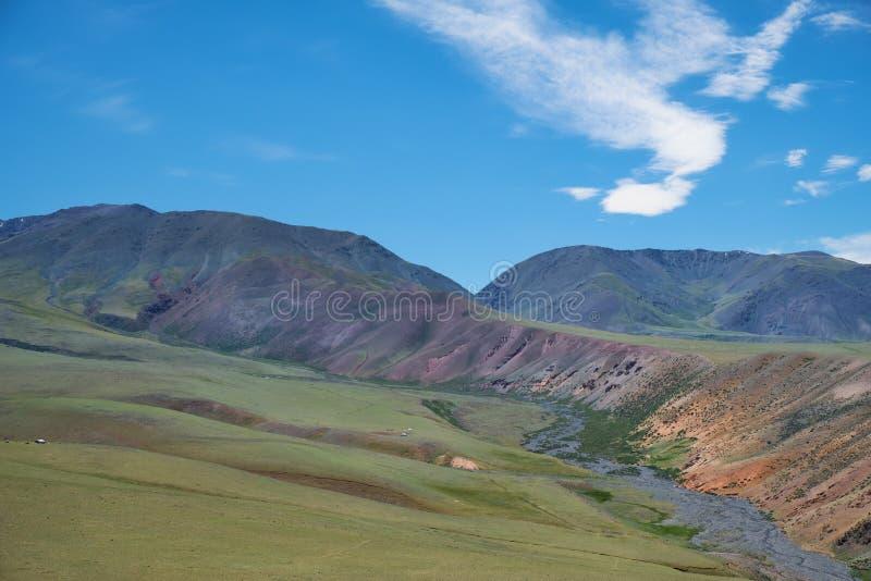Berg Mongools natuurlijk landschap royalty-vrije stock fotografie