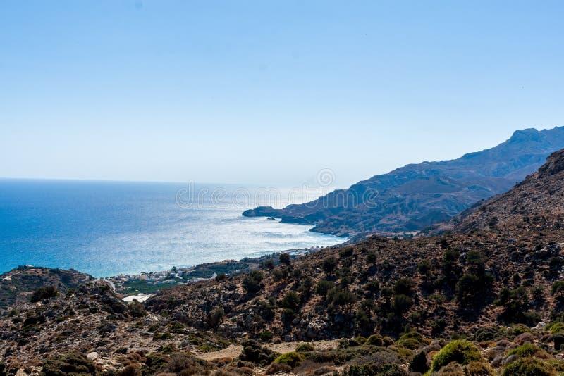 Berg och hav fotografering för bildbyråer