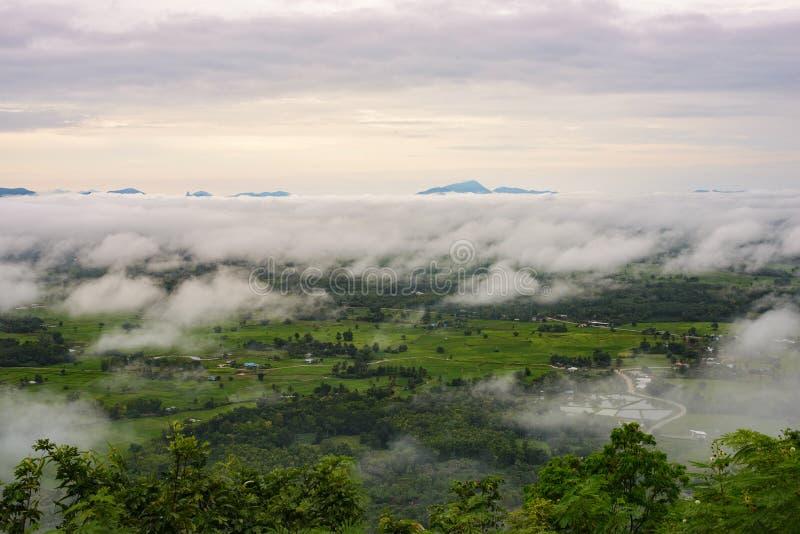 Berg Phu Thok lizenzfreie stockfotos