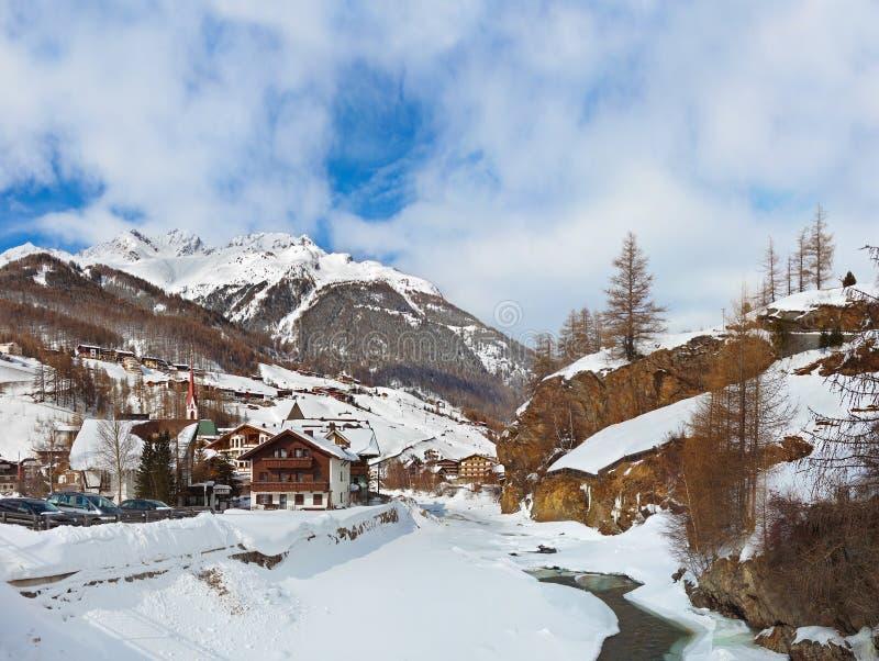 Download Berg Skidar Semesterorten Solden Österrike Fotografering för Bildbyråer - Bild av turism, flod: 27280193