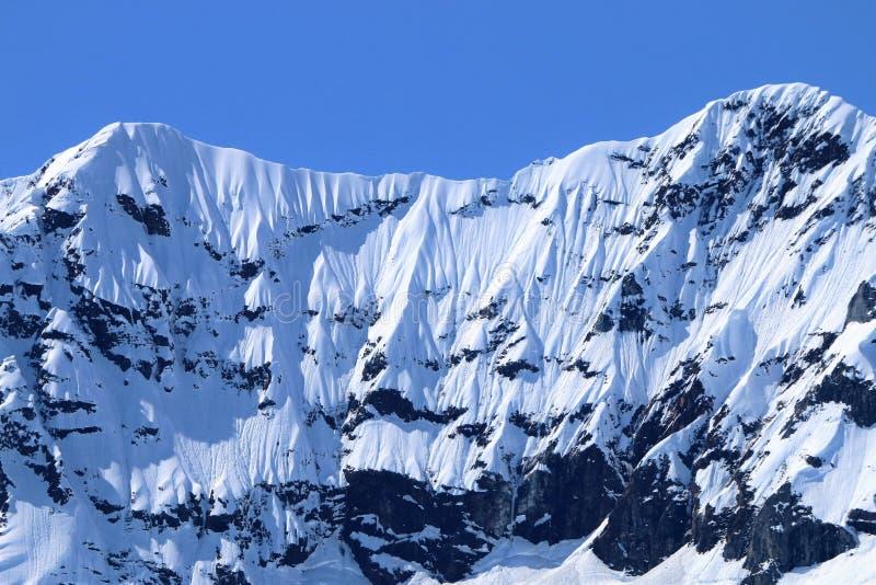 Berg sneeuwgordijnen of gordijn stock afbeelding