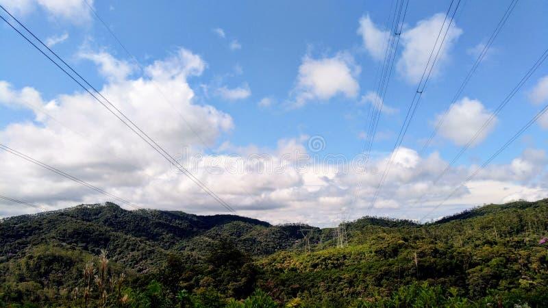 Berg som utgör brasiliansk skönhet royaltyfria bilder