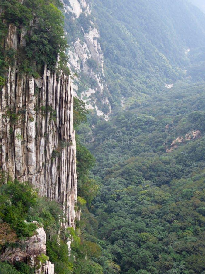 Berg Songshan-Störungsansicht lizenzfreie stockfotografie