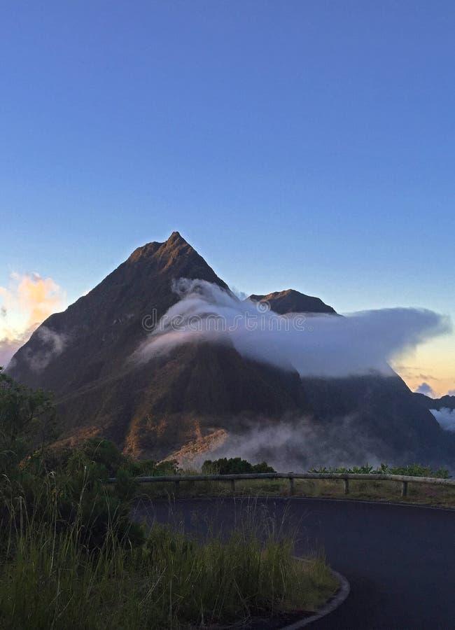 Berg in tropisch eiland van Bijeenkomst royalty-vrije stock afbeelding